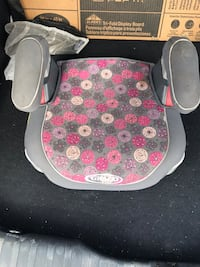 Baby's white and pink floral booster seat Vienna, 22182