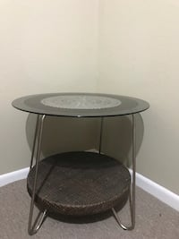 round black metal framed glass top table Dallas, 75208
