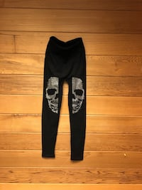 black and gray skull print pants Columbus, 43016