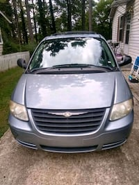 2006 Chrysler Town and Country Lakewood Township