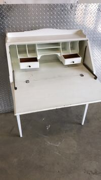 Wooden white desk 38 1/4 inches tall, 29 1/2 inches wide, 15 inches deep Rockville, 20850