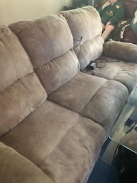 Free reclining sectional couch