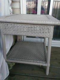 square wicker white outdoor side table Hyattsville, 20784