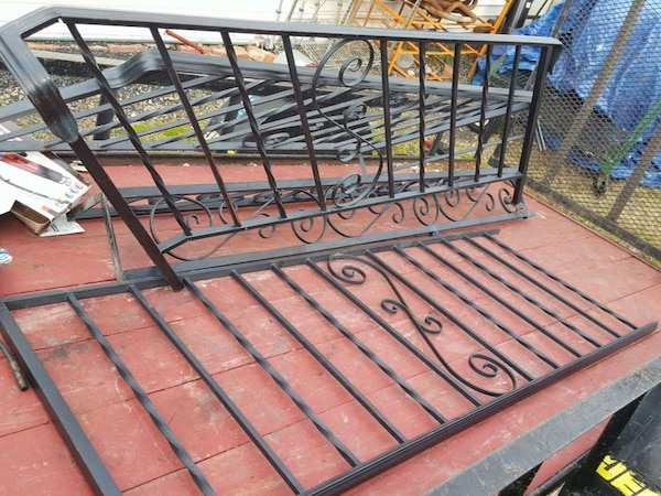 4 Sections Wrought Iron Railing