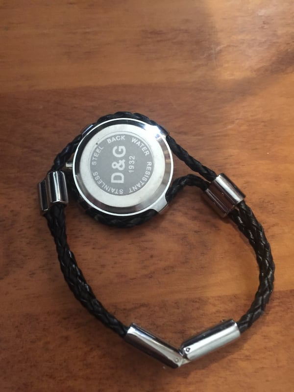 Got a new watch and don't need this ones  390abd3b-080b-4059-8273-7fb3a5591326