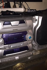 Audiovox vintage Stereo system 5cd changer, dual tape deck,radio.