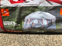 Brand new 8 person instant tent  Puyallup, 98374
