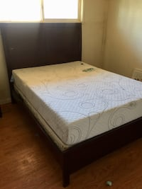 Queen size bed frame (cherry wood) Las Vegas, 89169