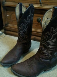 Size 9 brown leather cowboy boots London, N6G 5B3