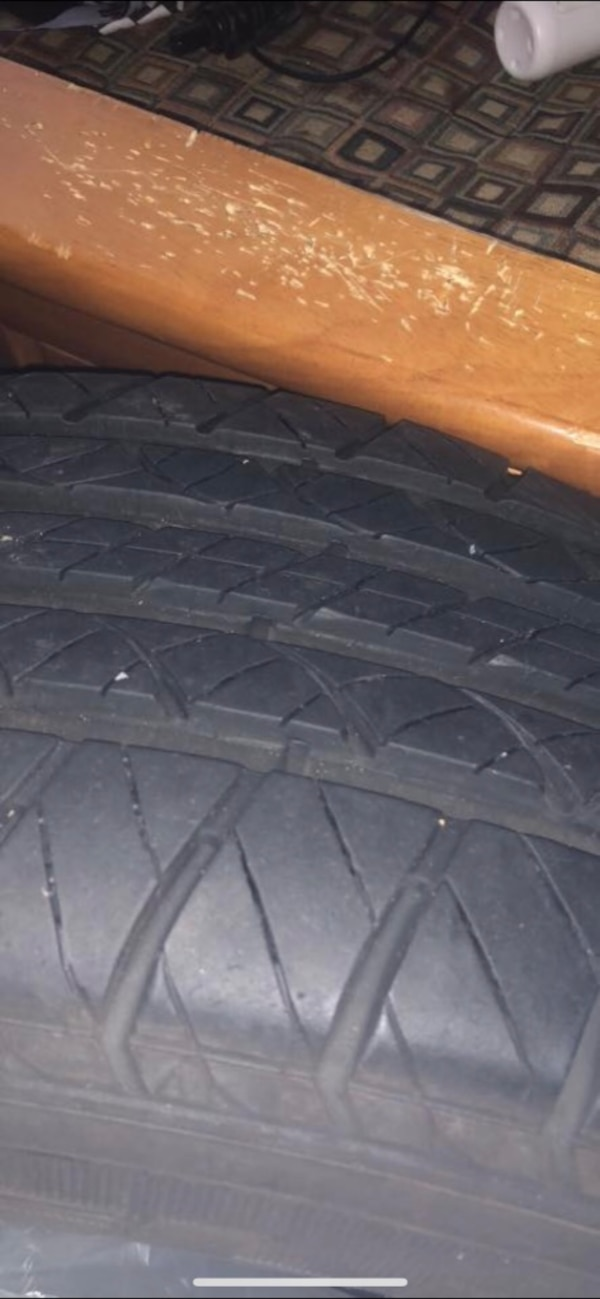 Used Tires Des Moines >> Used 2 Kelly Tires 16 5 Inch Price Negotiable For Sale In Des Moines