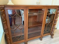 Brown wooden frame glass display cabinet San Mateo, 94402