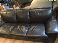 Brown leather 3-seat sofa Calgary, T3G 3A5