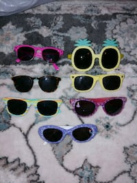 assorted color sunglasses with cases Norfolk, 23505