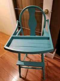Vintage high chair .it can be used as a planter
