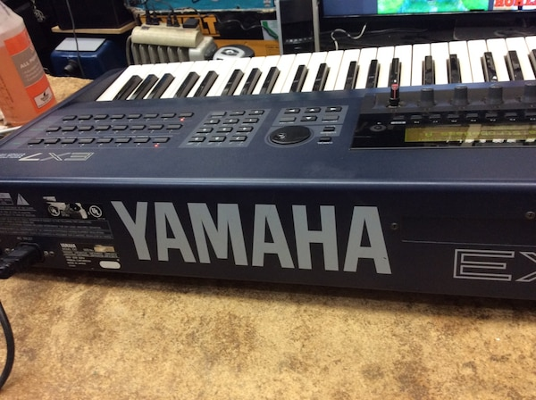 Yamaha keyboard musical instrument with cord EX7 used 2a21addb-2f2a-49d6-8e53-9f621bca4a58
