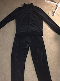 Black puma tracksuit small fits medium  Edmonton, T5E