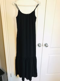Summer long black dress London, N6G 5N1