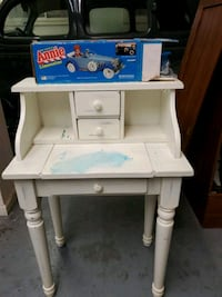 Childs desk Fairfax, 22031