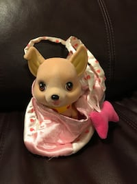 Battery operated puppy with carrying case Brossard, J4Z 0K4