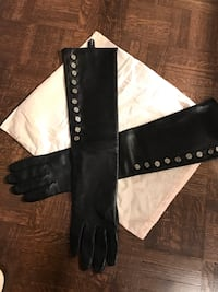 Club Monaco authentic gloves BRAND NEW leather 100%!!