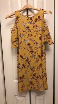 Pretty Yellow Dress Occoquan, 22192