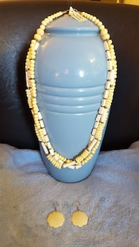Cream Necklace and earing #2 Toronto, M1L 4T7