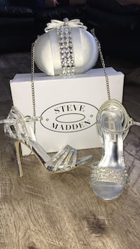 Steve Madden Shoes w/ Matching Clutch Bolton