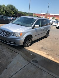 2012 Chrysler Town & Country Limited Gaithersburg