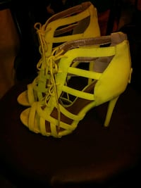 Charlotte Russe Neon Yellow Strappy Heel Las Vegas, 89104