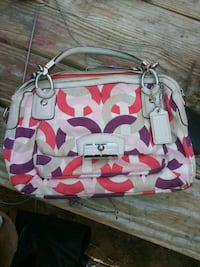 COACH purse Bakersfield, 93304