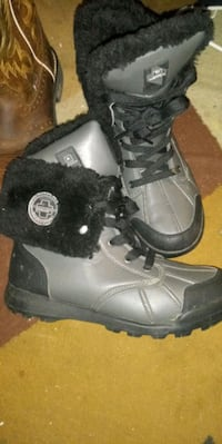 pair of black-and-gray rockawear boots Martinsburg, 25403