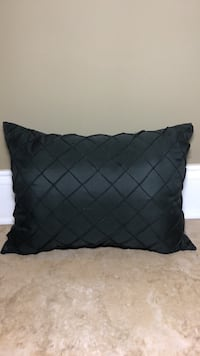 Black Quilted Pillow Saint Petersburg, 33710