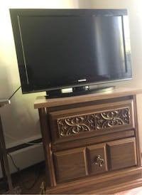 Huge wooden Dressing table and TV Burnaby