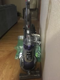 Dyson vacuum cleaner Broken Arrow, 74012