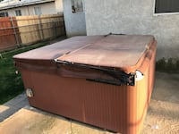 Free hot tub Bakersfield, 93301