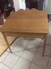 Antique oak desk Kitchener, N2M 1L5