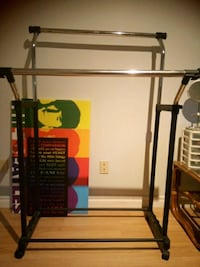 Clothes stand 546 km