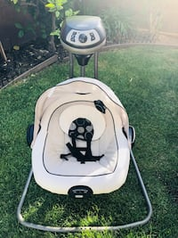 Graco Duet/Connect DLX Swing / Bouncer - baby Henderson, 89052
