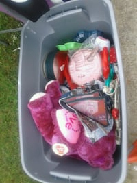 Bin of christmas and valentines Byron, 31008