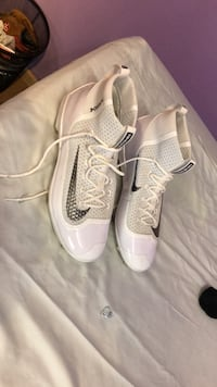 never been worn size 13.5  Coos Bay, 97420