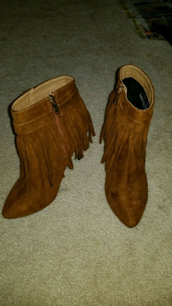 Brown heeled boots size 9