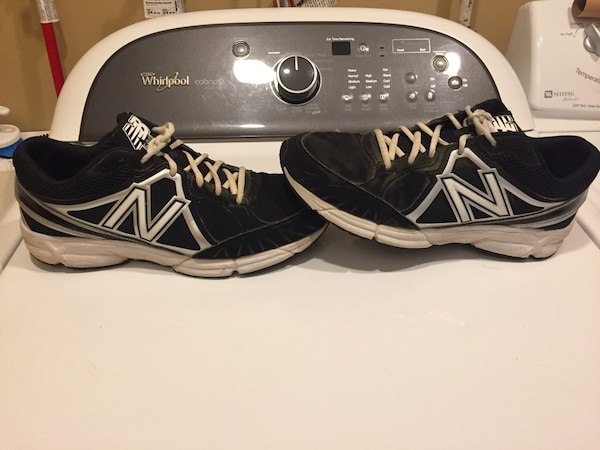 e8d219f9e5caa Used MEN'S NEW BALANCE BASEBALL TURF SHOES SIZE 9.5 for sale in Newtown -  letgo