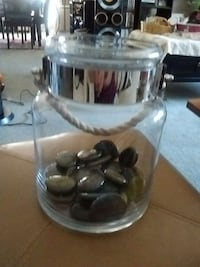 clear glass jar.for beta fish or candle Holder Kelowna, V1X 7Z6