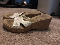 Pair of wedges size 7.5 Silver Spring, 20910
