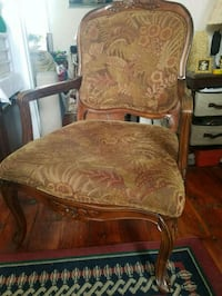 Antique Chair / Nice Condition