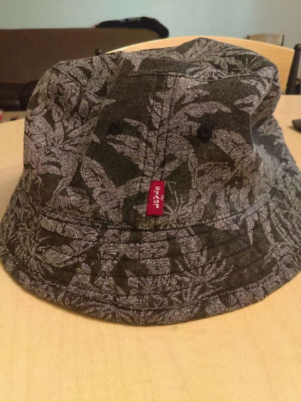 Used reversible bucket hat Levi for sale in Pittsburgh - letgo 6240dad1c84