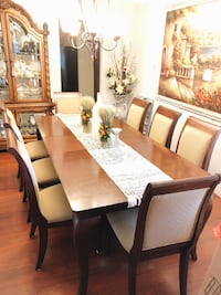 8 person dining room set  Sacramento, 95841