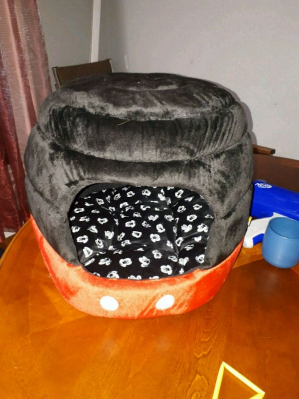 Never used Cat bed