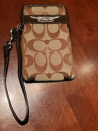 Coach wallet wristlet (never used) Arlington, 22202