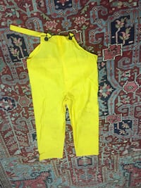 XL Yellow Waterproof overalls/waders Bakersfield, 93308